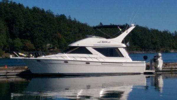 Used Bayliner 3988 Flybridge Boat For Sale