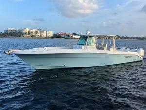 Used Hydra Sports Custom 4200 Siesta Center Console Center Console Fishing Boat For Sale