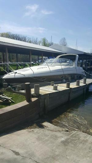 New Larson Cabrio 330 Cruiser Boat For Sale