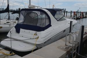 New Larson Cabiro Express Cruiser Boat For Sale