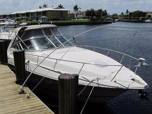 New Cruisers Yachts 3470 Express Cruiser Boat For Sale