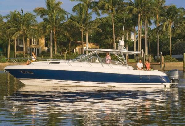 Used Intrepid 430 Sport Yacht Express Cruiser Boat For Sale