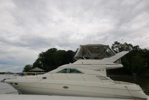 New Sea Ray 400 Sedan Bridge Cruiser Boat For Sale