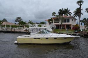 New Tiara Open Express Cruiser Boat For Sale
