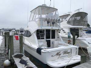 New Riviera 33 Flybridge Boat For Sale