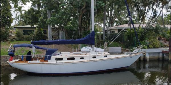 Used Bristol 40 Ted Hood Cruiser Sailboat For Sale