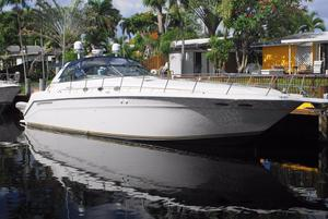 Used Sea Ray Freshwater 500 Sundancer with Lift Express Cruiser Boat For Sale