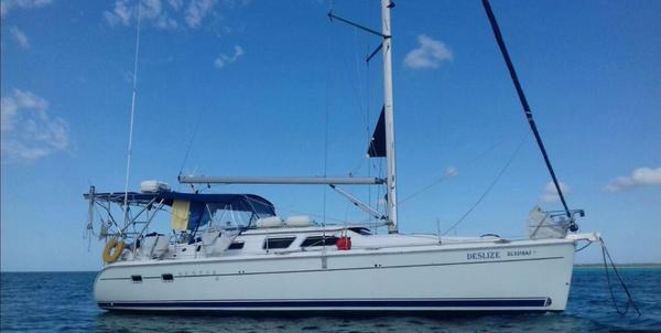 New Hunter 41 Deck Salon Cruiser Sailboat For Sale