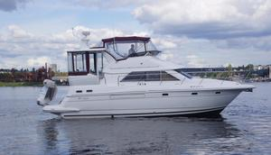 New Cruisers Yachts 3750 Motoryacht Motor Yacht For Sale