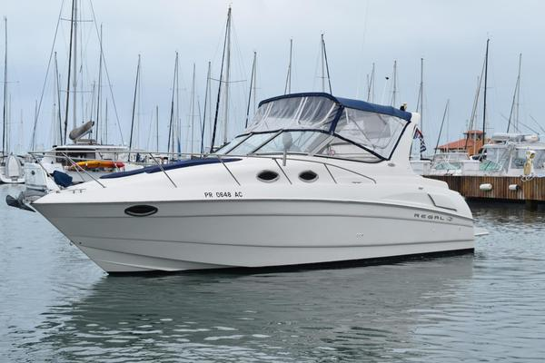 Used Regal Commodore 3060 Cruiser Boat For Sale