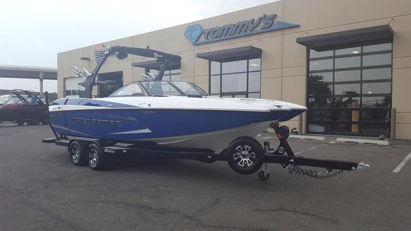 New Malibu Wakesetter 24 MXZ Ski and Wakeboard Boat For Sale