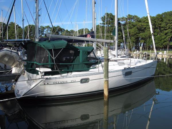 Used Beneteau 352 Cruiser Sailboat For Sale