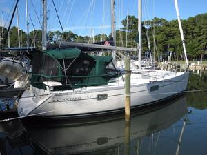 Used Beneteau 352 Cruiser Sailboat For Sale