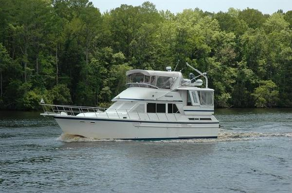 Used Jefferson Sundeck Motoryacht Aft Cabin Boat For Sale