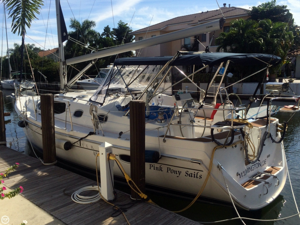 Used Hunter 45 Deck Salon Racer and Cruiser Sailboat For Sale