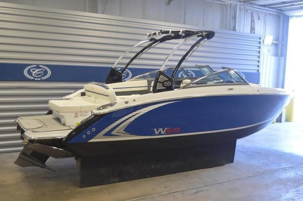New Cobalt R5 WSS Surf Ski and Wakeboard Boat For Sale