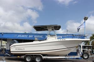 Used Robalo R-230 Center Console Saltwater Fishing Boat For Sale