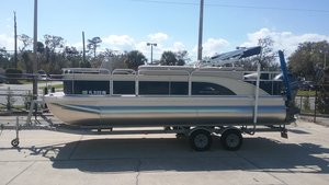 Used Bennington 21 SF Pontoon Boat For Sale