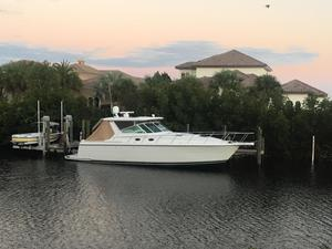 New Tiara 4000 Express Cruiser Boat For Sale