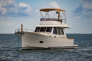New Minorca Islander 42 Express Cruiser Boat For Sale