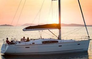 Used Beneteau 43 Cruiser Sailboat For Sale