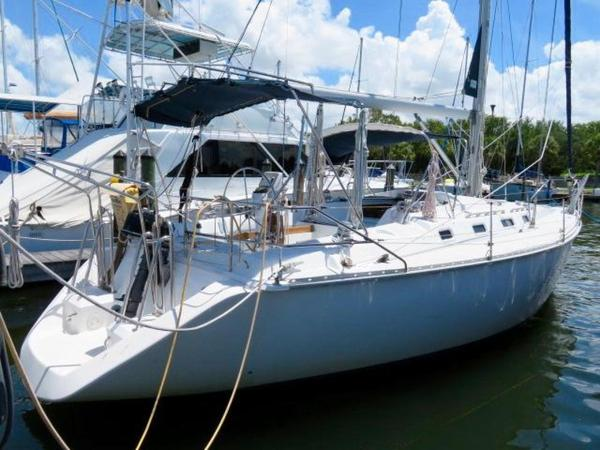 New Hunter Legend 40 Sloop Sailboat For Sale