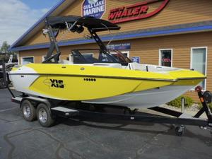 Used Axis Wake Research A20 Ski and Wakeboard Boat For Sale