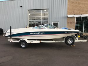 Used Mastercraft Maristar 200 VRS Ski and Wakeboard Boat For Sale