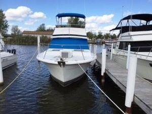 Used Trojan F-32 Sports Fishing Boat For Sale