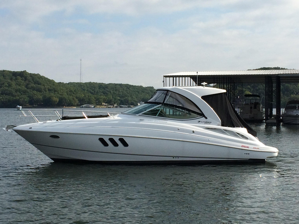 New Cruisers Yachts 350 Express Cruiser Boat For Sale