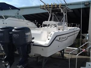 Used Century 3000 Center Console Center Console Fishing Boat For Sale