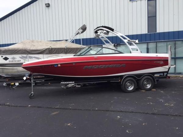 Used Moomba LSV Ski and Wakeboard Boat For Sale