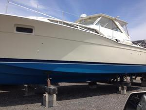Used Chris Craft 35 Commander Cruiser Boat For Sale