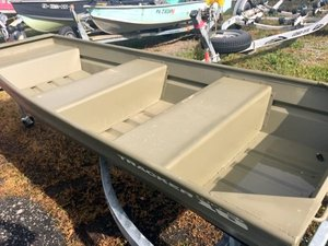 Used Tracker Topper™ 1032 Riveted Jon Boat For Sale