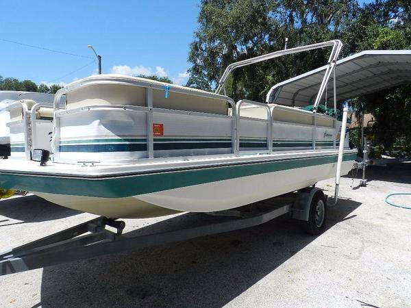Used Hurricane 196 Fish & Ski Deckboat Deck Boat For Sale