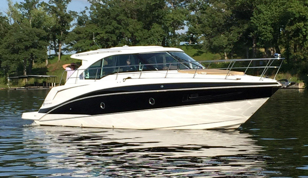 New Cruisers Yachts 41 Cantius Motor Yacht For Sale