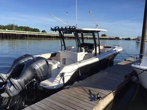 Used Robalo R 302R 302 Center Console Fishing Boat For Sale