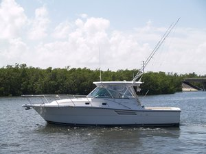 Used Pursuit Express Cruiser Boat For Sale