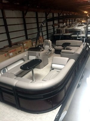New Bennington 23 SSBXP TRITOON, PREMIUM Pontoon Boat For Sale