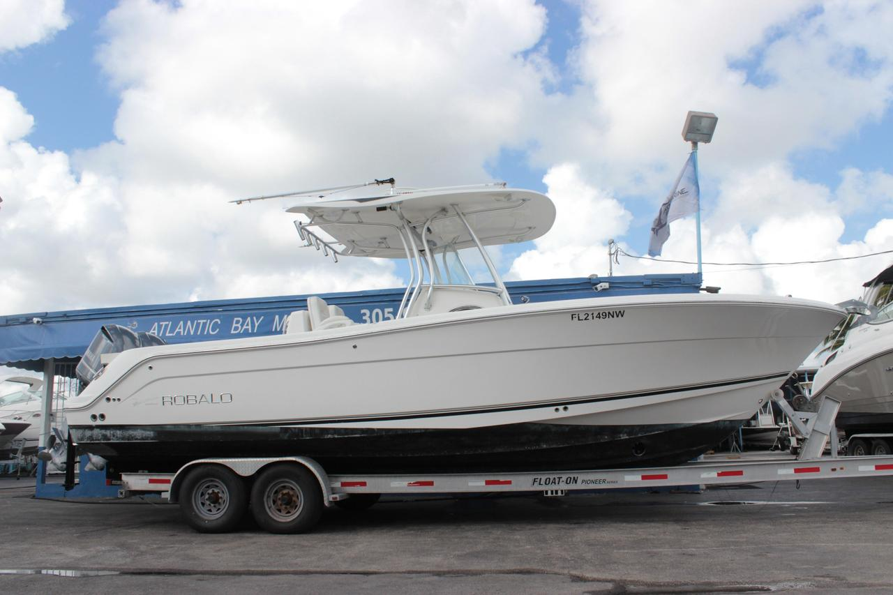2009 used robalo r300 center consoler300 center console for Center console sport fishing boats