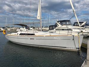 Used Beneteau Oceanis 37 Cruiser Sailboat For Sale