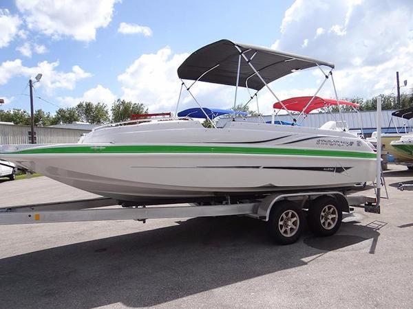 New Starcraft 2000 OB Limited Deck Boat For Sale