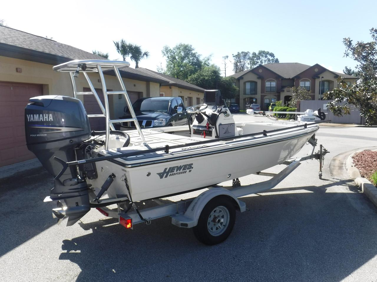 2010 used hewes 16 redfisher center console fishing boat for Used center console fishing boats for sale