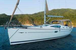 Used Jeanneau 42 DS Deck Saloon Sailboat For Sale