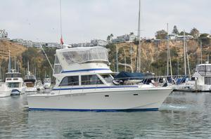 Used Chris-Craft 382 Commander Convertible Fishing Boat For Sale