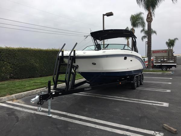 New Sea Ray SDX 270 Deck Boat For Sale