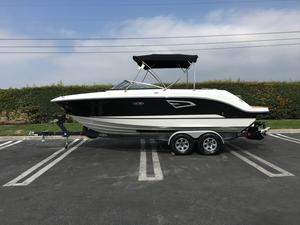 New Sea Ray SLX 230 Bowrider Boat For Sale