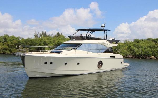 New Monte Carlo 6 by Beneteau Flybridge Boat For Sale