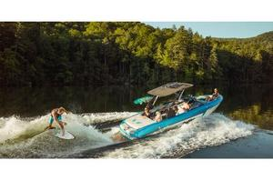 New Malibu Boats Llc Wakesetter 22 VLX Ski and Wakeboard Boat For Sale