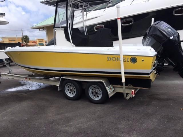 1987 used donzi 23 cc center console fishing boat for sale for Donzi fishing boats